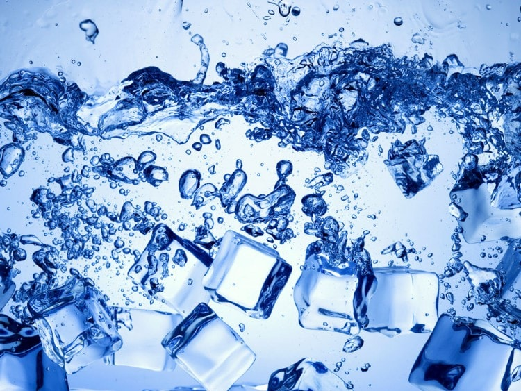 Используйте холодную воду для бритья