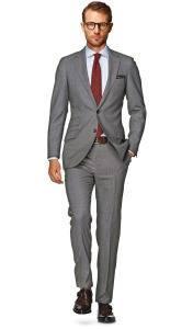 Suitsupply_серый классический костюм