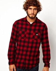 Клетчатая рубашка красного цвета