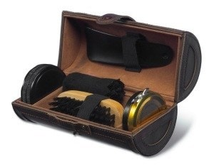 Набор аксессуаров для чистки обуви в футляре