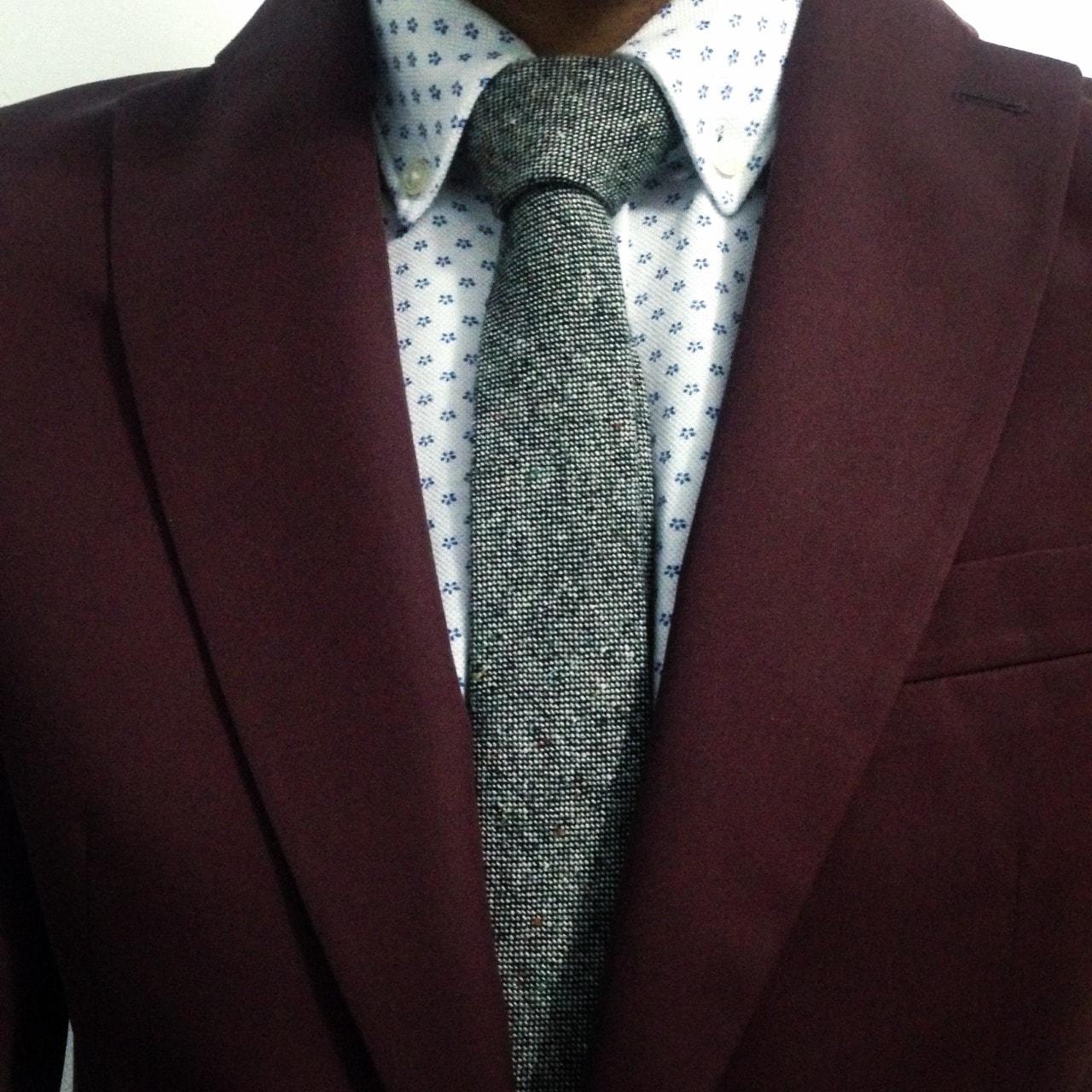 Цвет галстука к коричневой рубашке