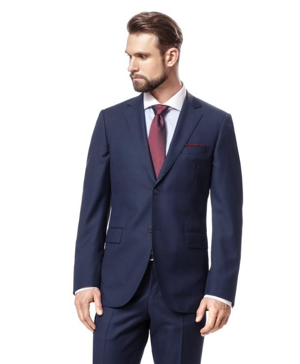 Темно-синий костюм с орнаментом от компании HENDERSON
