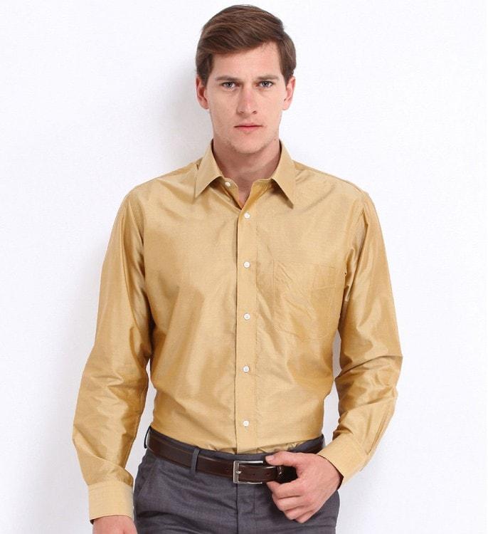 Мужская шелковая рубашка бежевого цвета