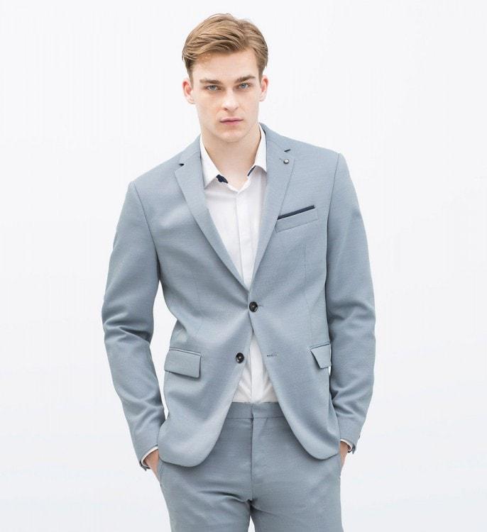 Мужской шерстяной костюм светло голубого цвета