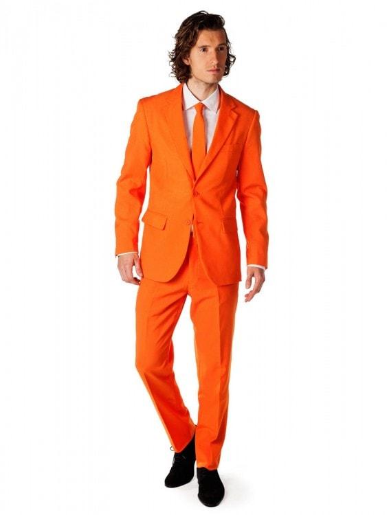 Оранжевый костюм
