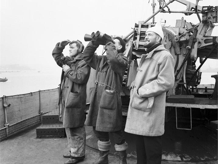 Фотография моряков в пальто дафлкот - Англия