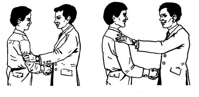 Пожатие с применением обеих рук сразу