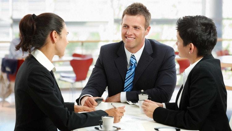 Встречу с итальянскими партнерами можно проходить в ресторане или кафе