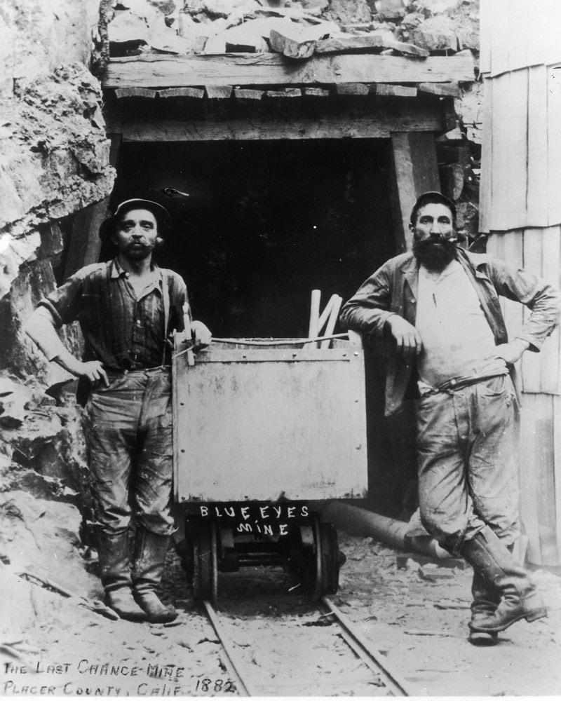 Шахтеры в джинсах. Фотография 1882 года