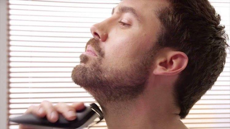 Используйте триммер или бритвенный станок, чтобы удалять волосы на шее
