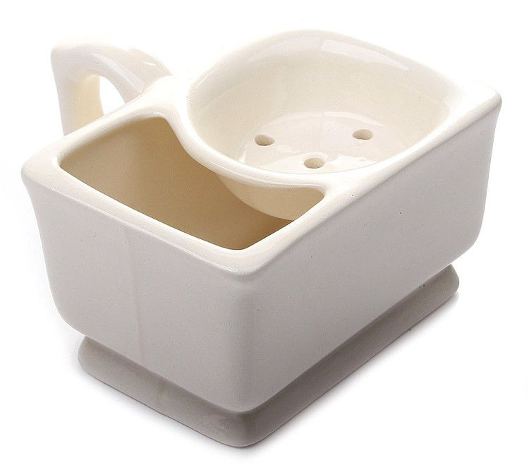 В tettauer mug горячая вода подогревает керамику чаши и взбитую в верхнем отсеке пену, что сохраняет густую консистенцию последней