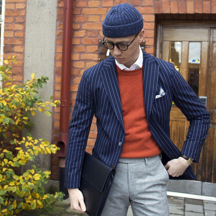 На фоне повсеместно нарастающего интереса сильного пола к предметам casual-гардероба с помощью одежды Berg&Berg можно создать беспроигрышные луки