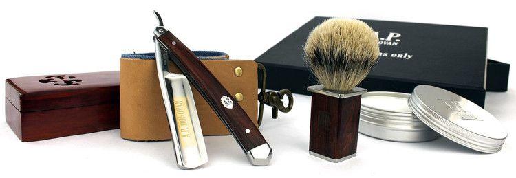 Некоторые из аксессуаров, необходимых для качественного мокрого бритья