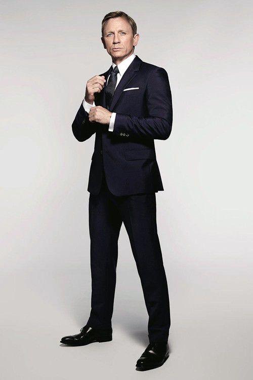 Стиль Джеймса Бонда подразумевает присутствие в образе одежды отменного качества