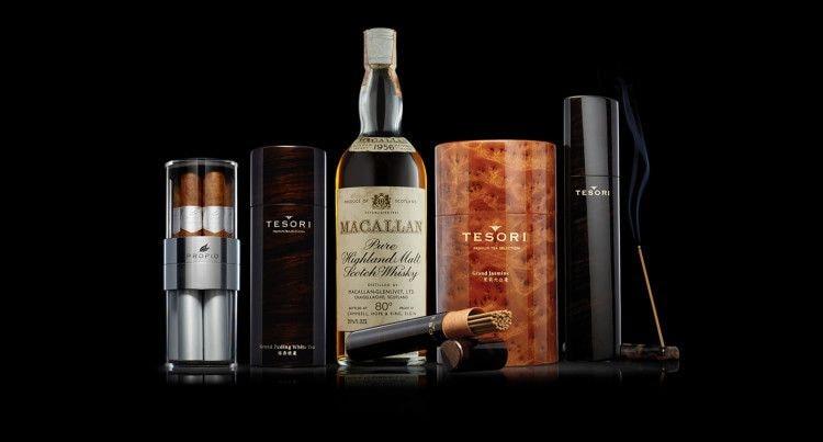 Крепкий спиртной напиток, дополненный качественной сигарой, может стать уникальным подарочным набором для настоящего мужчины