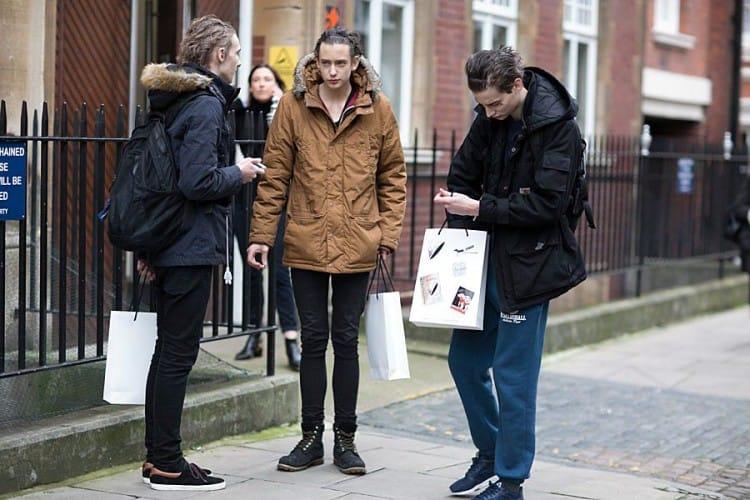 Парка остается наиболее практичной одеждой для зимнего гардероба в уличном стиле