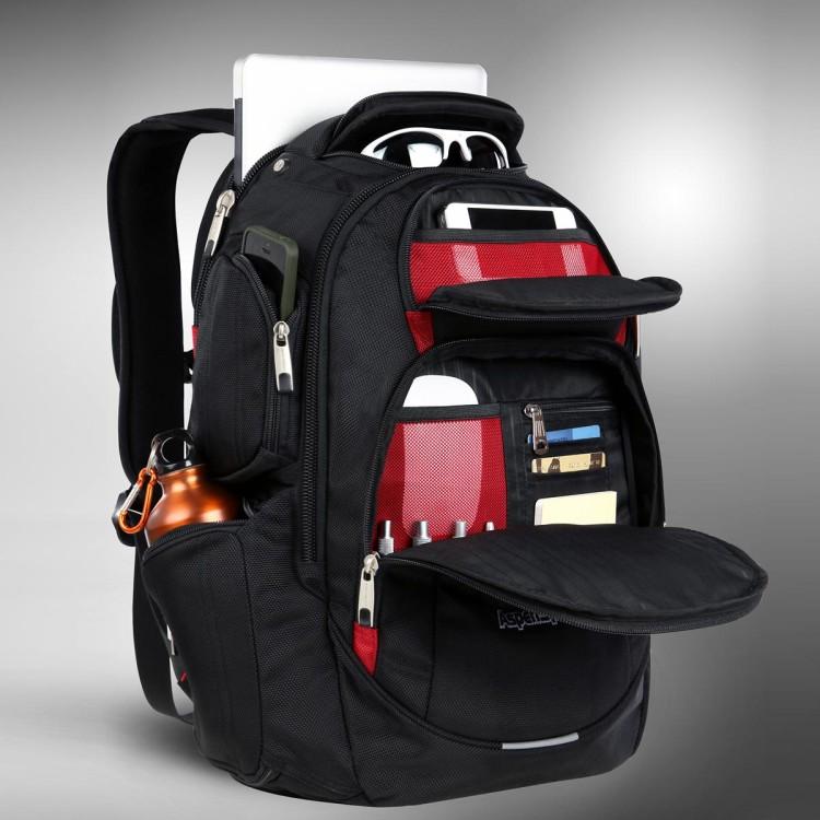 Практичная модель рюкзака для города вместит в себя все, что вам необходимо