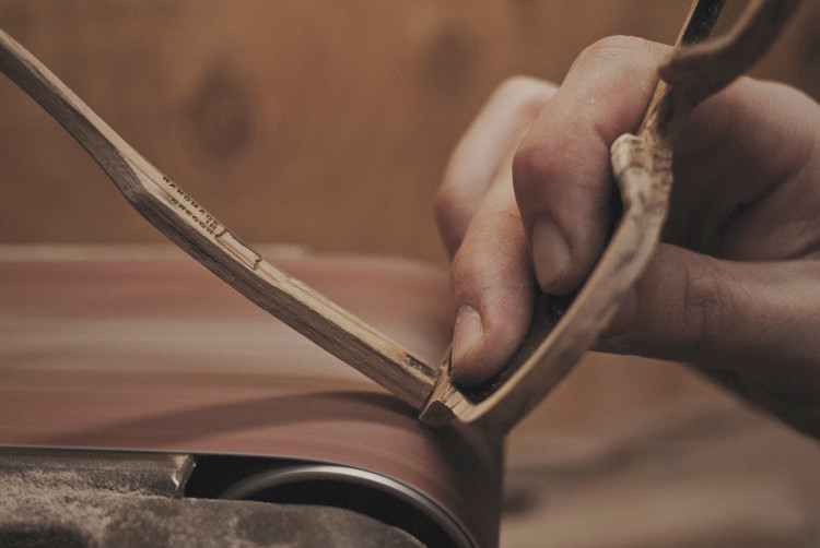 Шлифовка деревянной оправы