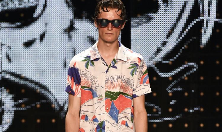 Многие популярные casual-бренды выпускают вариации гавайских рубашек (на фото: Topman, коллекция весна/лето 2017)