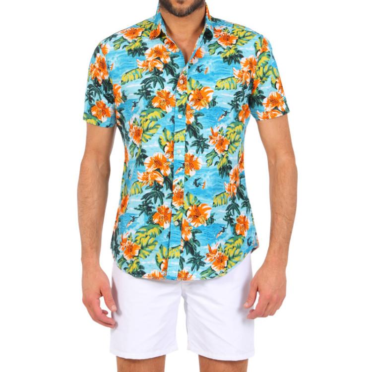 Гавайская рубашка с белыми шортами или брюками - отличный комплект для отдыха