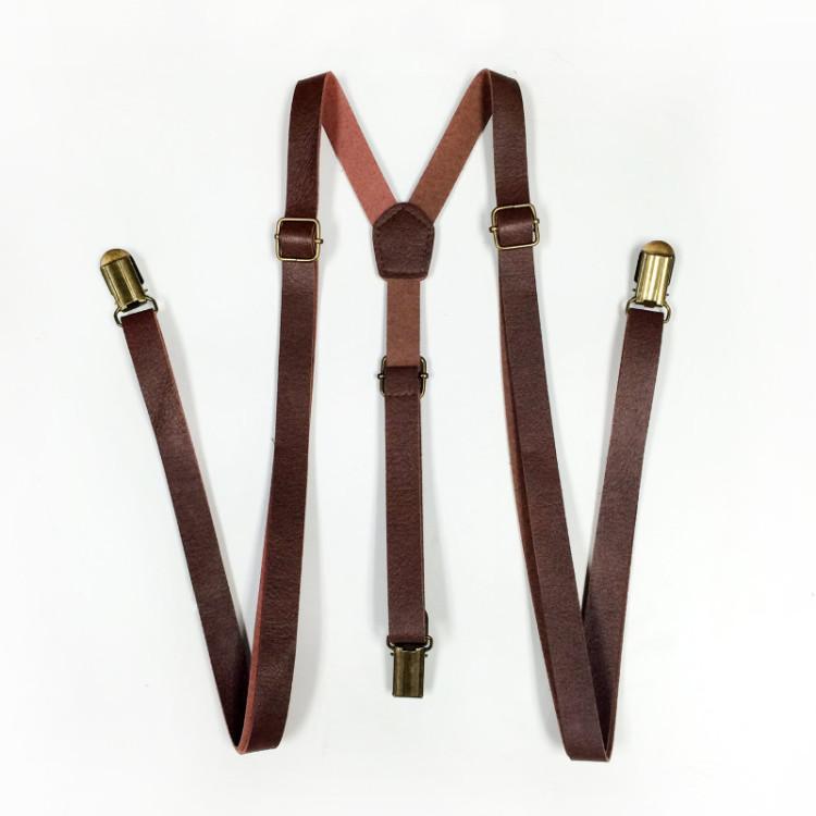 Кожаные подтяжки с зажимами подойдут как к классическим брюкам, так и к чиносам и джинсам