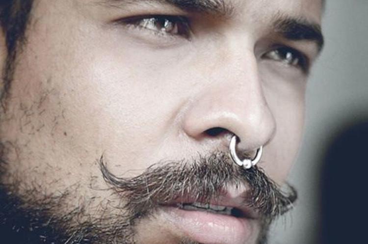 Пирсинг носовой перегородки очень требователен к уходу и гигиене