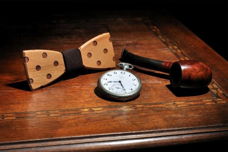 В XVII веке деревянный галстук-бабочка был прерогативой аристократии