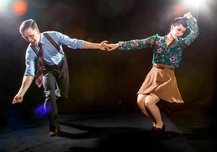 Многие находят партнершу для танцев непосредственно на танцевальных вечеринках