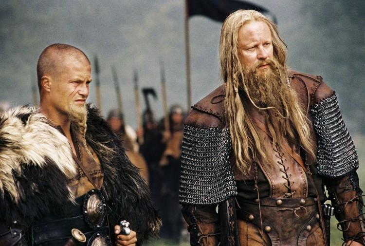 В некоторых средневековых культурах косички в волосах и бороде символизировали принадлежность к воинской касте