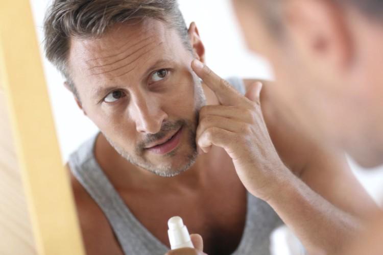 Зрелую кожу необходимо не только очищать, но и питать