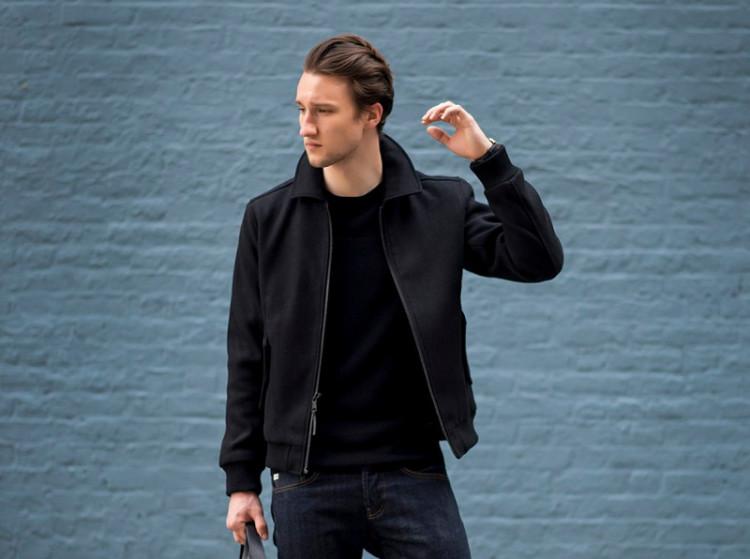 Бомберы из шерстяной ткани - отличная альтернатива пальто, если вы не носите костюм, но хотите выглядеть солиднее