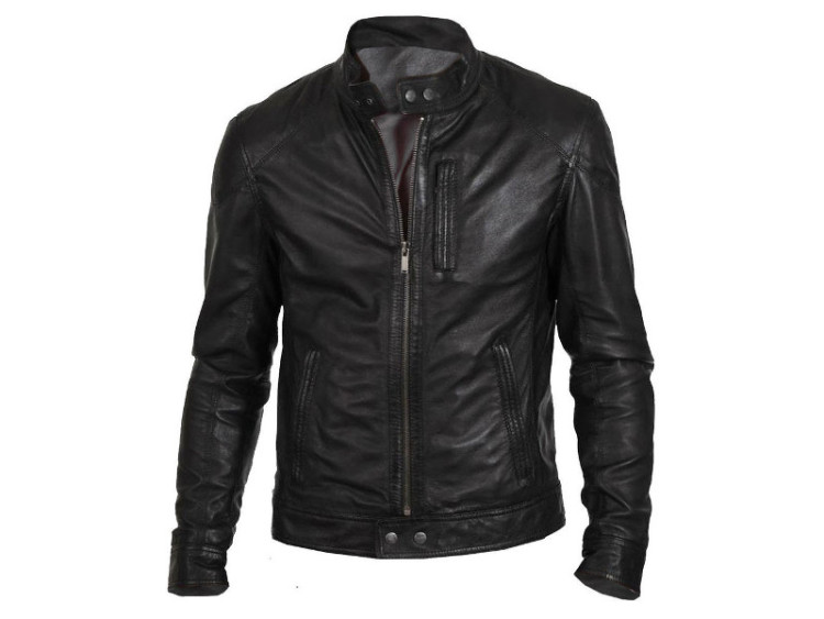 Кожаная куртка как правило идет мужчинам любого возраста и комплекции