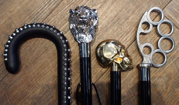 Рукоятки бывают разными, но классическими являются формы «крюк» и «набалдашник»