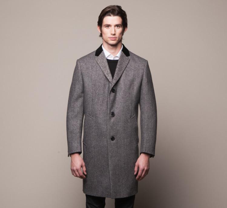 Наиболее классический вариант пальто Честерфилд - из серой шерсти с черным бархатным воротником