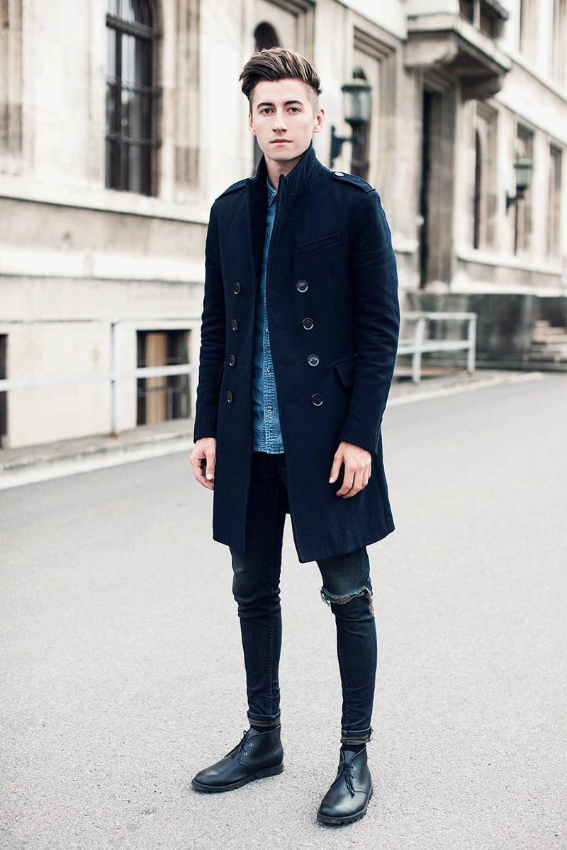 Несмотря на свою долную историю, ботинки чукка отлично вписываются и в молодежный стиль