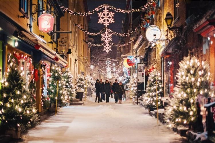 За неимением других свежих идей в новогоднюю ночь можно всегда отправиться на прогулку!