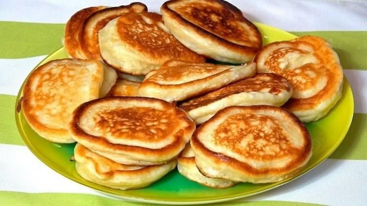 Оладьи - лучший вариант, если хочется порадовать кого-то домашним завтраком