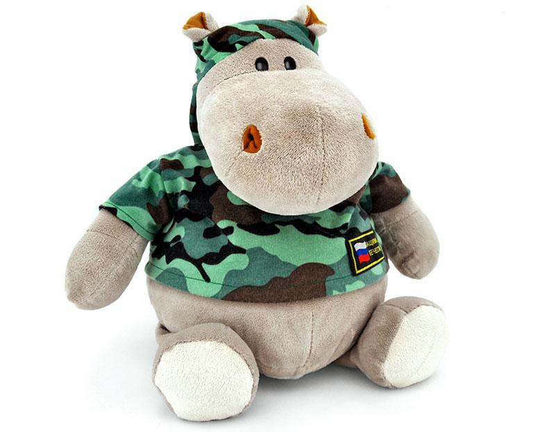 Подарки с юмором стоит дарить только хорошо знакомым людям и если вы уверены, что они поймут и оценят шутку. Особенно на военную тематику.