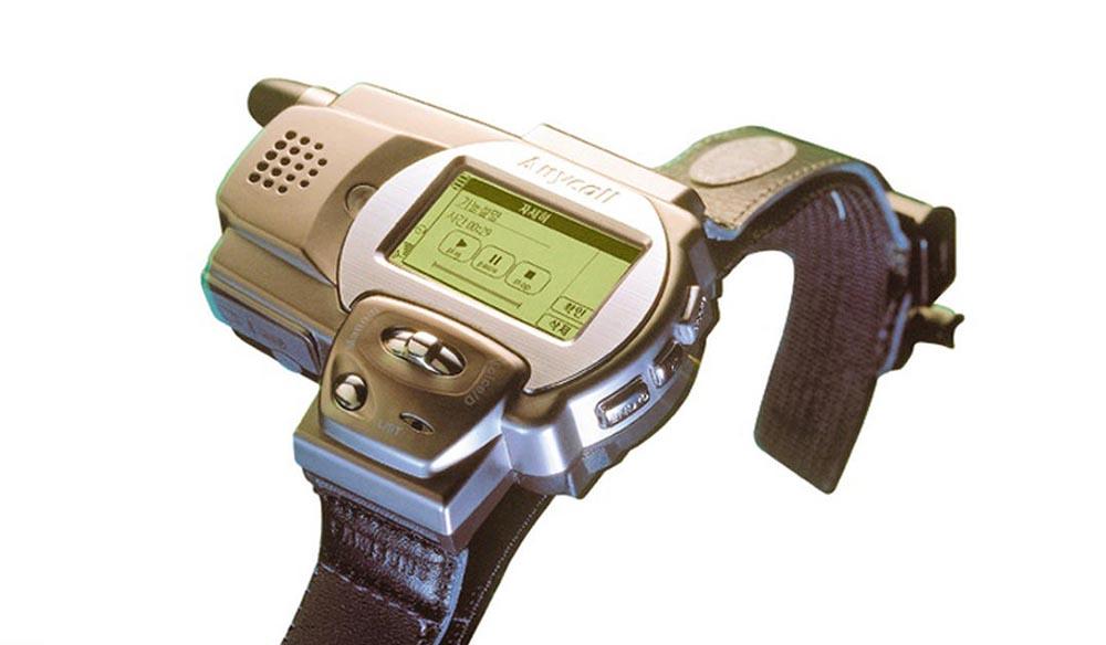 Встроенный мобильный телефон в часах от Samsung