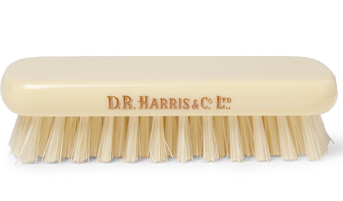 Расчески и щетки D. R. Harris облегчат процедуры укладки и придания формы