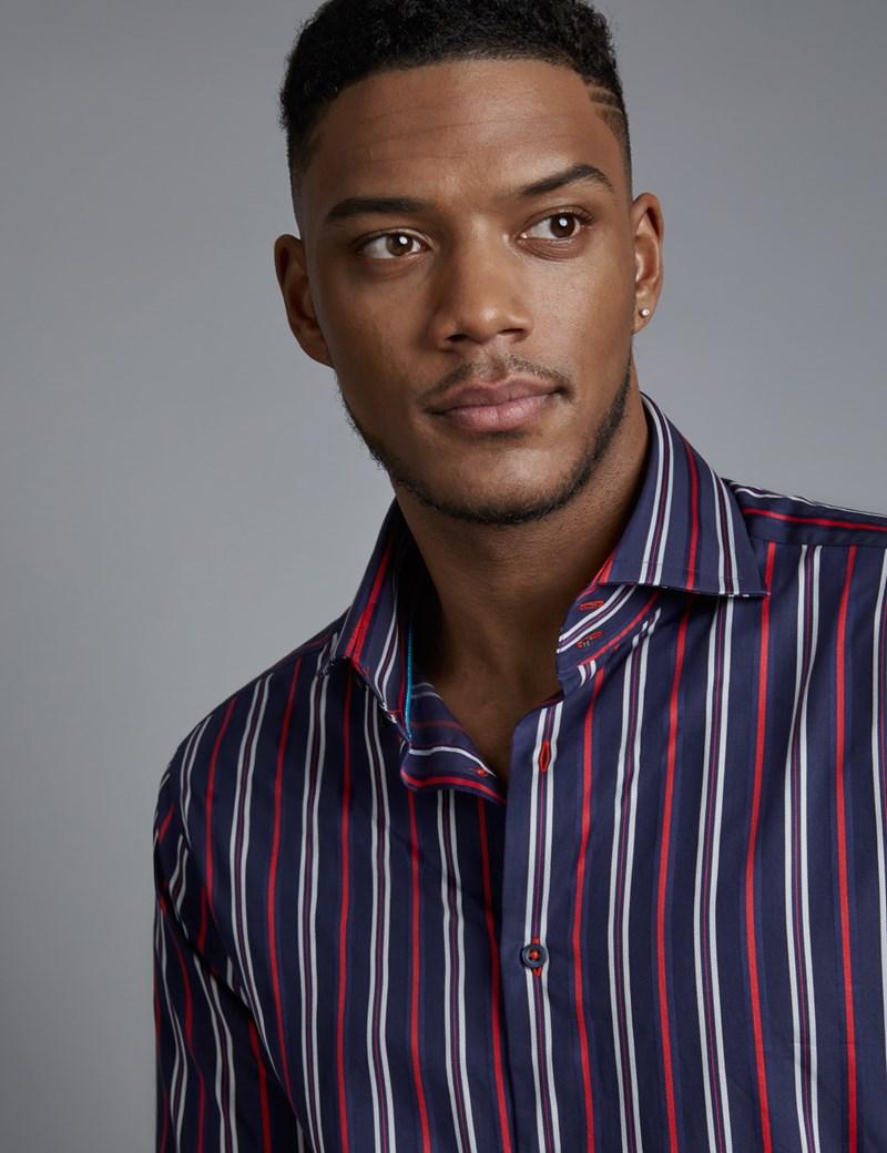 Рубашки с контрастными полосками - хорошее решение для стиля smart casual