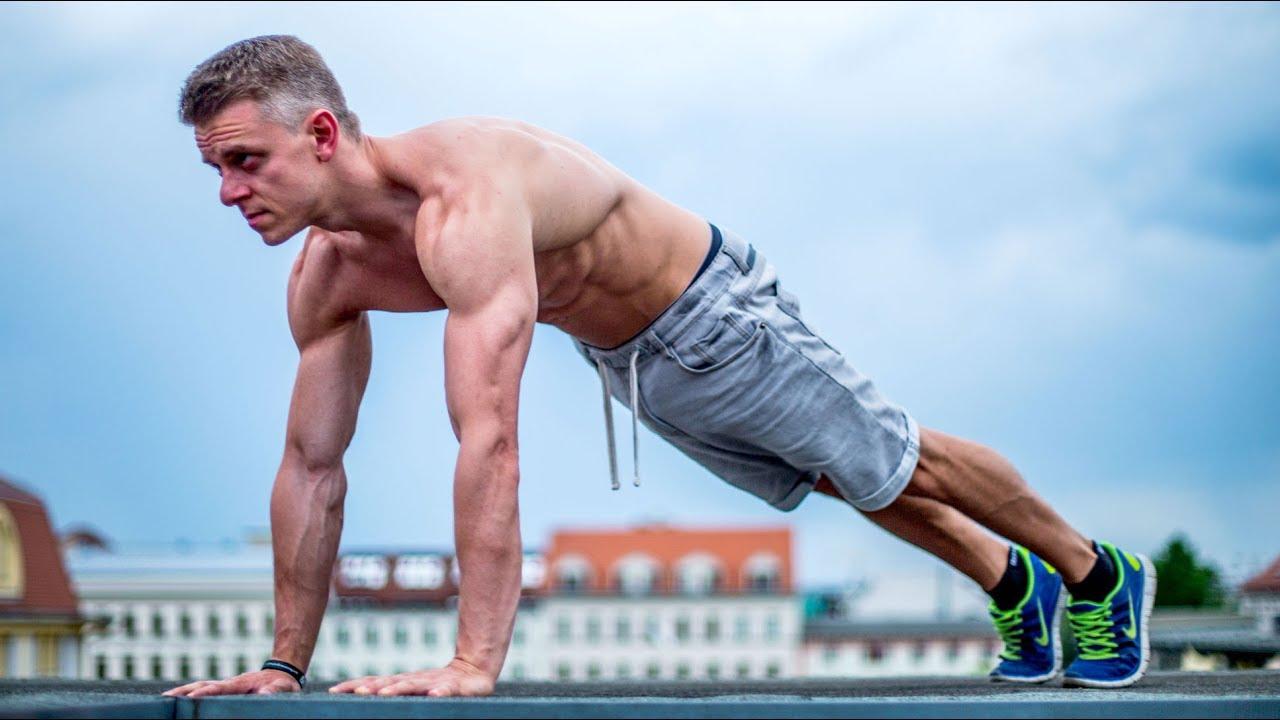 Систематические отжимания развивают целую группу мышц