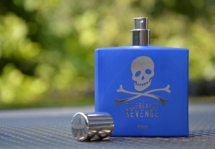 В одеколонах The Bluebeards Revenge преобладают древесные и цитрусовые ароматы