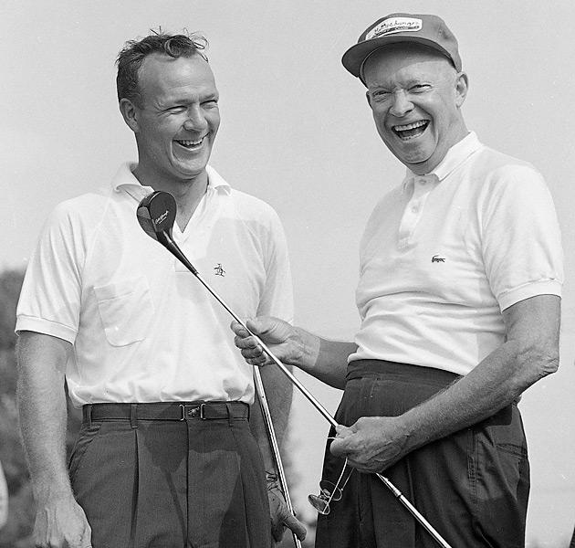 Популярность поло сильно возросла, когда президент Эйзенхауэр стал носить ее. С тех пор поля для гольфа начали менять дресс-коды, чтобы позволить носить поло на поле.