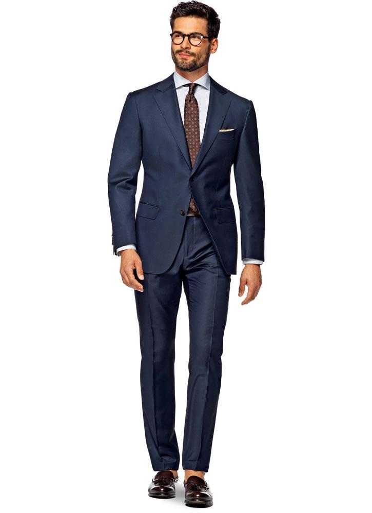 Классический костюм с деловым пиджаком