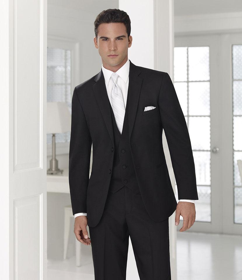 Черный классический свадебный костюм тройка жениха