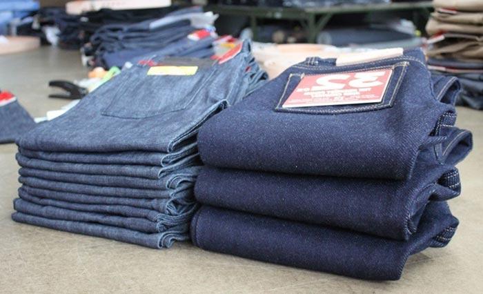 Разница между тяжелой и легкой джинсовой тканью