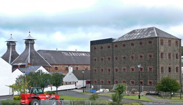 Завод Old Bushmills Distillery