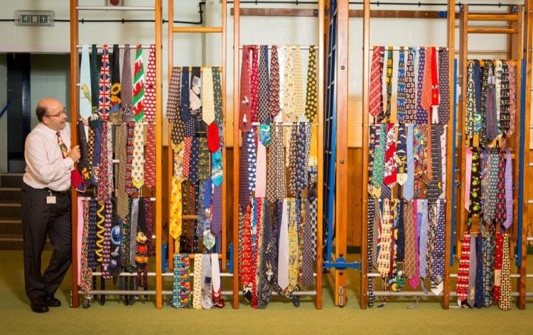 Коллекционер галстуков -грабатологист