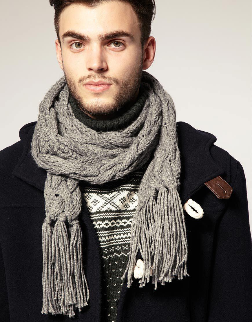 Серый мужской шарф с крупной вязкой